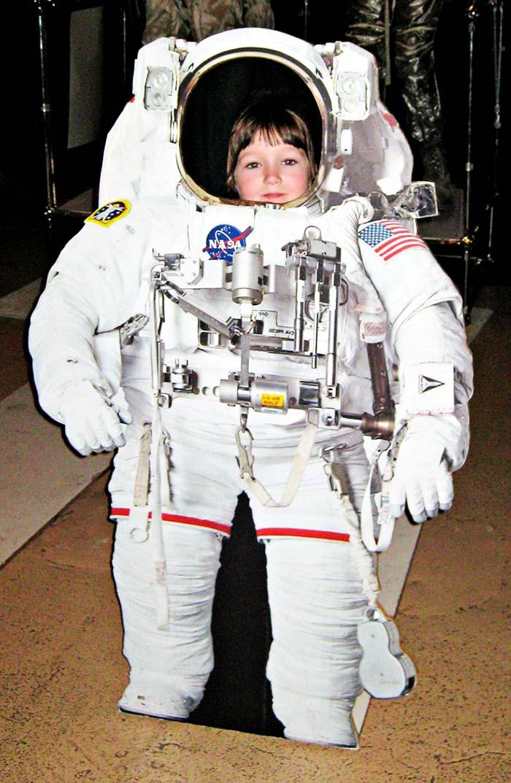 Spacesuit 700x1073