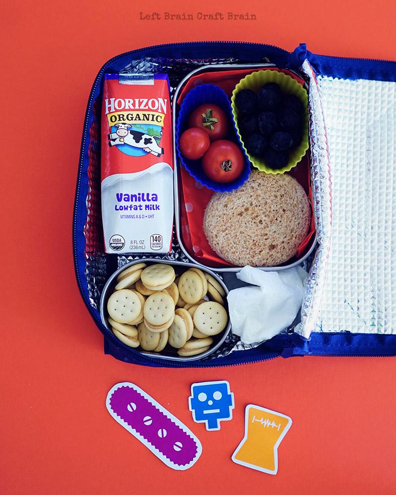 robot-lunchbox-overhead