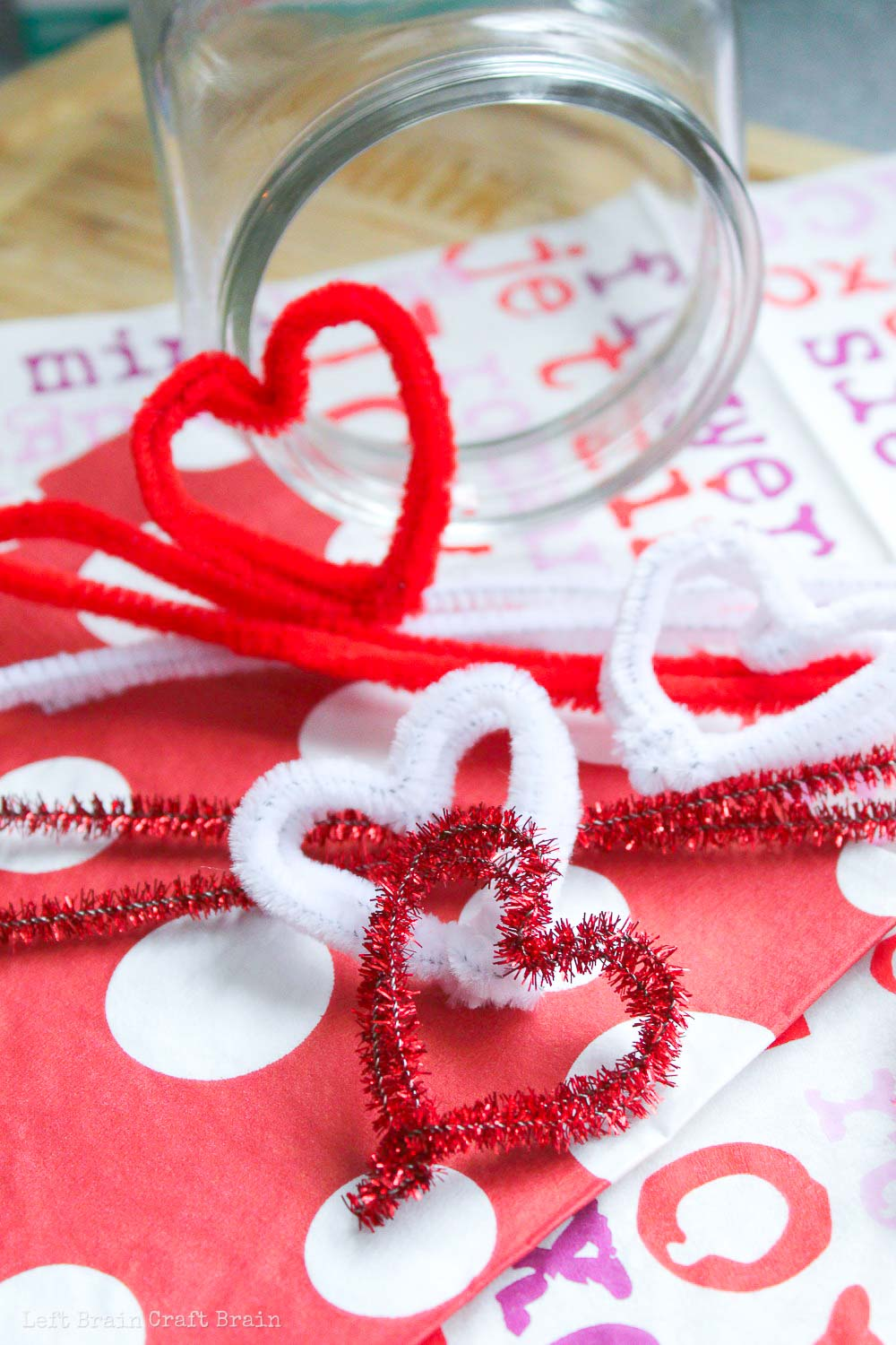 Form the pipe cleaner hearts