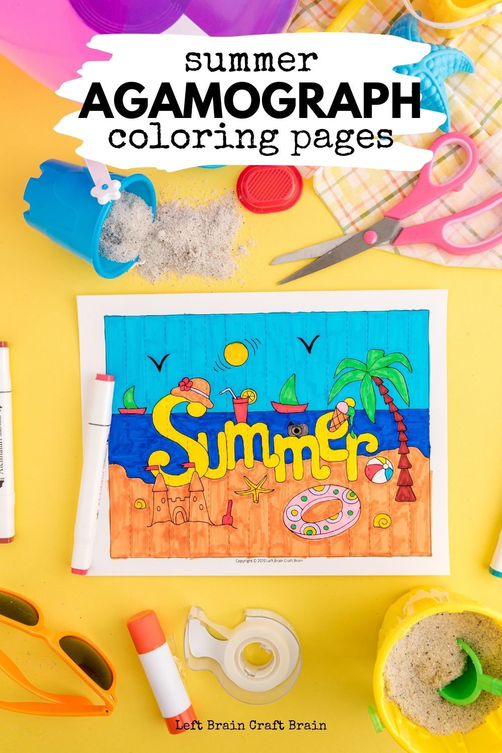 Have some fun coloring this summer with an agamograph, a unique paper craft. It flips the picture when you shift the angle for twice the fun.